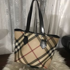 Auth. Burberry shoulder bag
